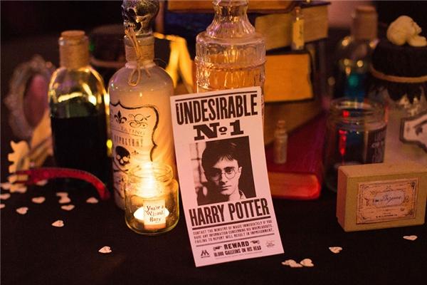 Đám cưới phong cách phù thuỷ của cặp đôi cuồng Harry Potter