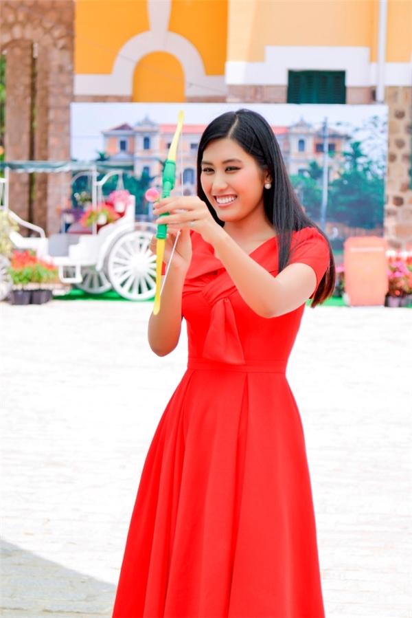 Top 5 Hoa hậu Hoàn vũ Việt Nam 2015 Ngô Trúc Linh