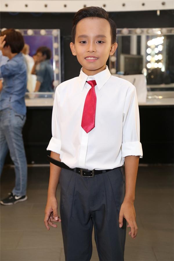 Cậu bé Hồ Văn Cường tiếp tục là ẩn số trong đêm gala 2 của chương trình. - Tin sao Viet - Tin tuc sao Viet - Scandal sao Viet - Tin tuc cua Sao - Tin cua Sao