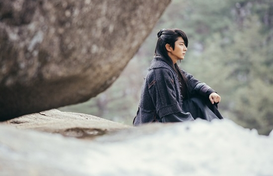 Quên Song Joong Ki đi! Loạt mĩ nam Hàn sắp trở lại hấp dẫn hơn nhiều