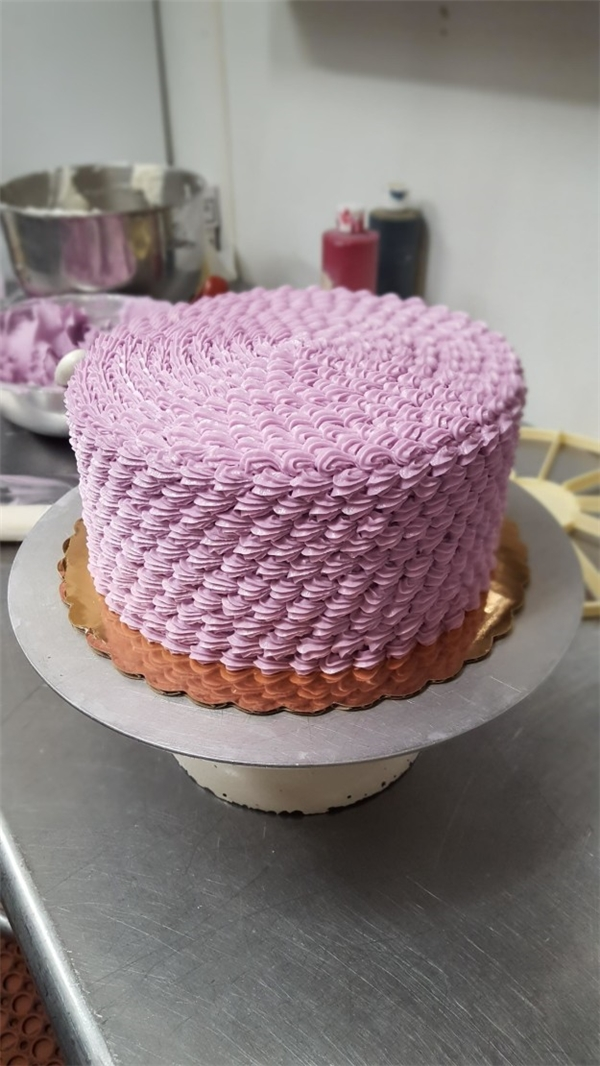 13. Làm ra chiếc bánh này tức là có muốn người ta ăn hay không đây?