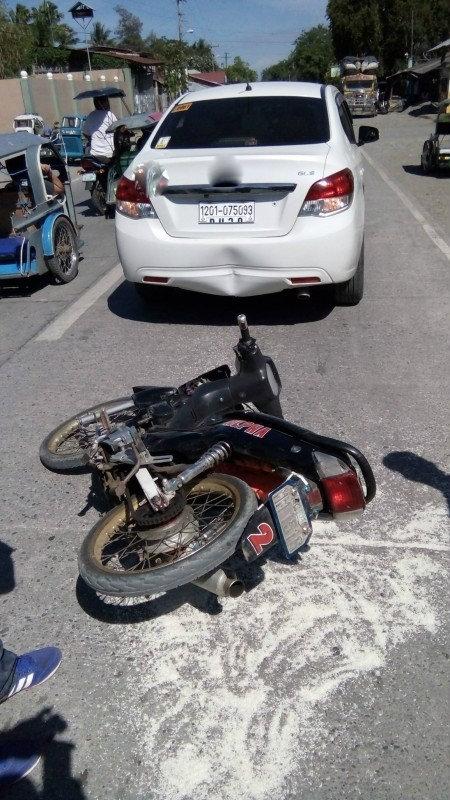 Bất ngờ hành động của người đàn ông bị tung méo xe ô tô