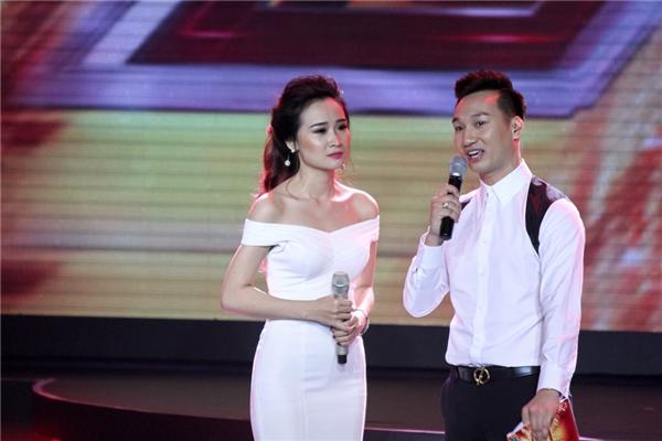 Tiếp đến, thí sinhNhư Trang khiến cả khán phòng lắng đọng với bài hát Buồn - sáng tác Lưu Thiên Hương,với nhiều nỗi niềm tâm sự.