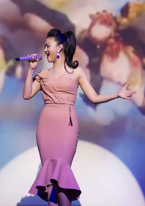 """Khi bước sang con đường ca hát, Maya là nhân tố được giới chuyên môn đánh giá cao bởi chất giọng của cô thời điểm đó là tốt nhất trong số các """"chân dài"""" đi hát. - Tin sao Viet - Tin tuc sao Viet - Scandal sao Viet - Tin tuc cua Sao - Tin cua Sao"""