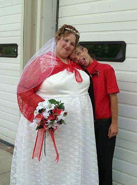 Cười té ngửa với chùm ảnh bá đạo của các cô dâu chú rể