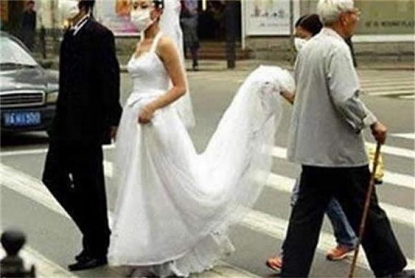 Đám cưới trong vệ sinh. (Ảnh: Internet)