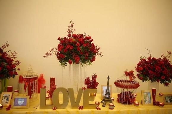 Không gian tiệc cưới lãng mạn của Lê Phương tràn ngập hoa hồng. - Tin sao Viet - Tin tuc sao Viet - Scandal sao Viet - Tin tuc cua Sao - Tin cua Sao