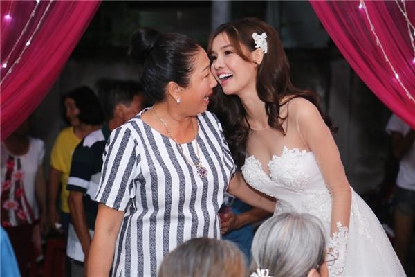 """""""Cô dâu"""" Kỳ Hân xì tin hết cỡ trong ngày vui trọng đại - Tin sao Viet - Tin tuc sao Viet - Scandal sao Viet - Tin tuc cua Sao - Tin cua Sao"""