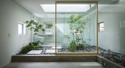 Nhà vệ sinh được xây riêng nhằm đảm bảo các thành viên trong gia đình được thoải mái sử dụng. (Ảnh: Internet)