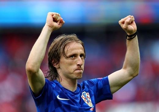 Đội hình hay nhất lượt đầu vòng bảng Euro