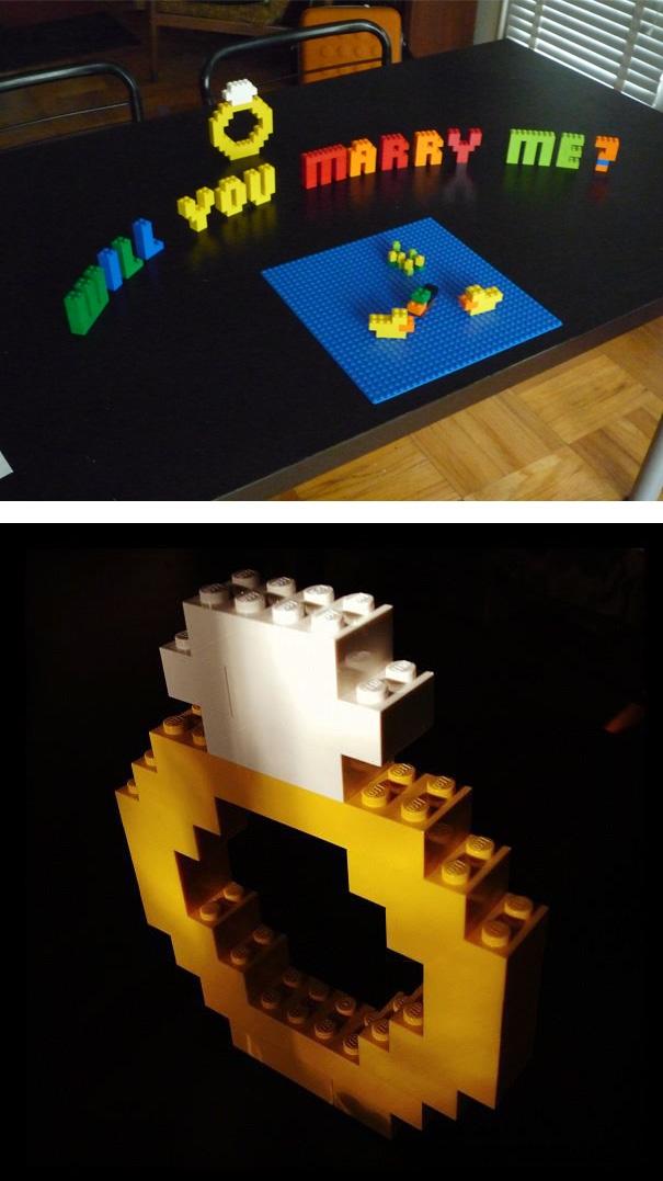 Lời cầu hôn và cả chiếc nhẫn khổng lồ được lắp ráp từ Lego có thể được... truyền lại cho con cháu đời sau.