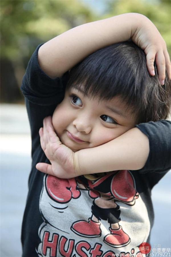 """Cậu bé được cư dân mạng yêu mếntặng cho danh hiệu """"Cậu bé dễ thương nhất màn ảnh Hoa ngữ""""."""