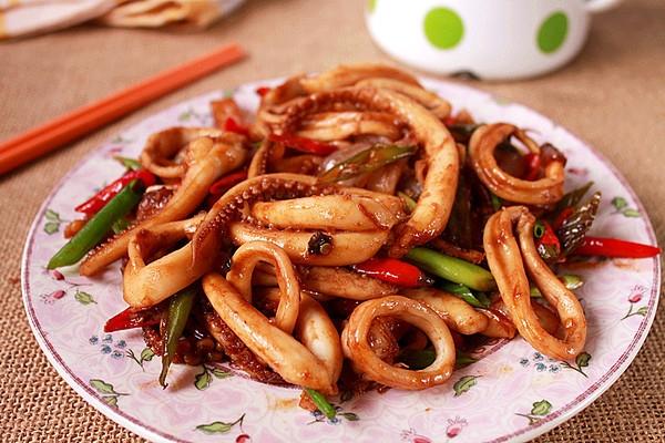 Ẩm thực Phú Quốc - Đến Phú Quốc là phải ăn mực om nước mắm!