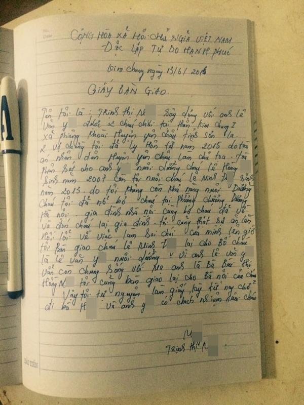 Nội dung giấy bàn giao con do người mẹ tự tay viết. Ảnh: Internet