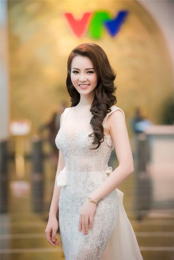 Thụy Vân đăng quang ngôi vị Á hậu Hoa hậu Việt Nam 2008. Sau 8 năm, cô phát triển sự nghiệp với vai trò MC. Trong đêm chung khảo khu vực miền Nam vừa qua, Thụy Vân còn trổ tài ca hát, vũ đạo khiến khán giả vô cùng bất ngờ. Thụy Vân ghi điểm trong lòng công chúng bởi sự hoạt ngôn, khéo léo trong ứng xử, giao tiếp.