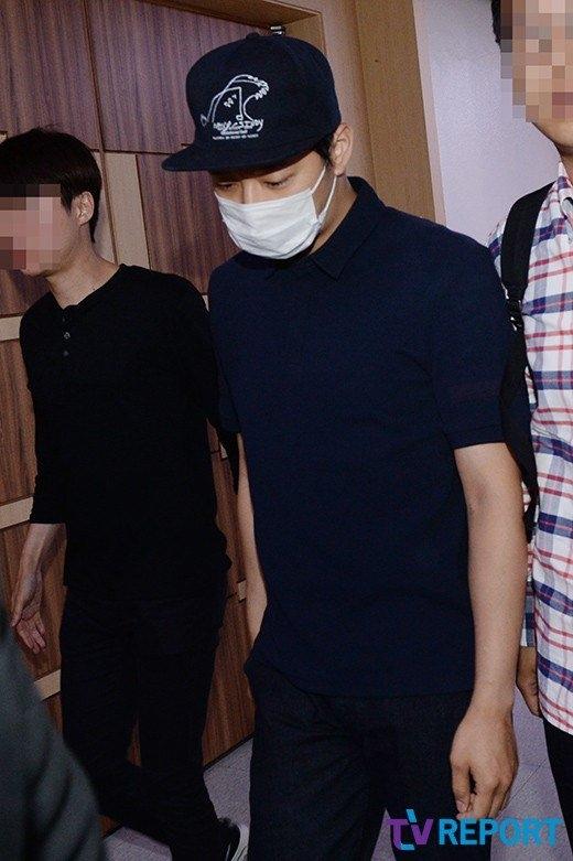 Đơn kiện được bãi bỏ, Yoochun mệt mỏi xuất hiện trước truyền thông