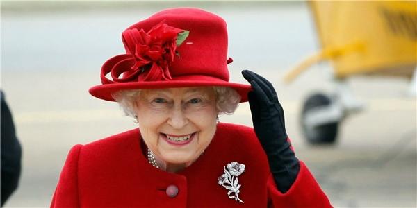 Một vị Nữ hoàng đáng kính luôn quan tâm đến thần dân của mình. (Ảnh: Internet)