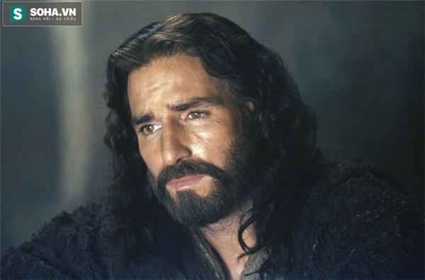 Jim Caviezel trong vai Chúa Jesus.
