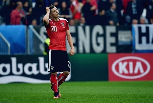Tiền vệ công Marcel Sabitzer (Áo, 5.82 điểm):Vào sân thay Zlatko Junuzovic dính chấn thương ở đầu hiệp hai, Marcel Sabitzer đã khiến tuyển Áo hoàn toàn bế tắc trong tấn công và đành chấp nhận thất bại 0-2 trước đối thủ bị đánh giá yếu hơn là Hungary.