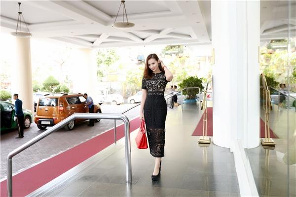 Đảm nhận vai nữ chính trong phim là Lã Thanh Huyền.