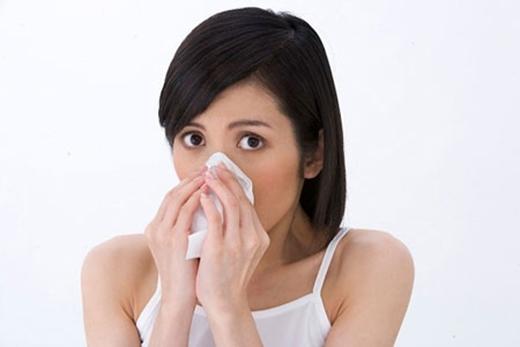 Hỉ mũi lại cực kỳ khó chịu khi thực hiện nơi công cộng tại Nhật. (Ảnh: Internet)