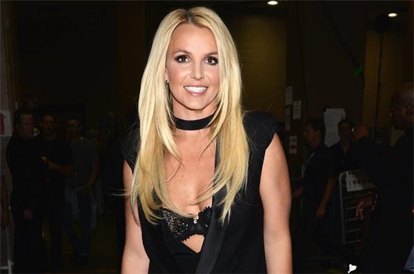 Britney Spears: Bích Nụ