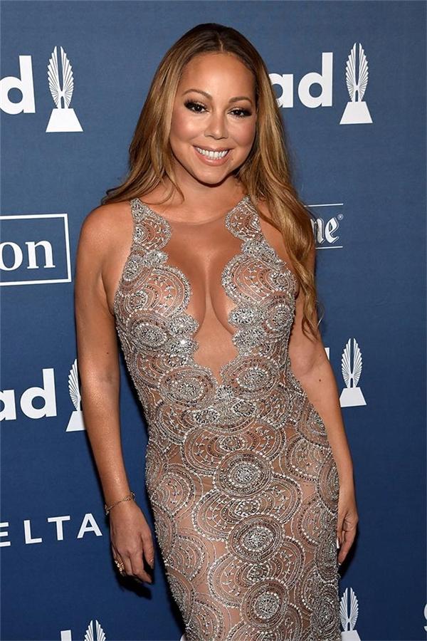 """Mariah Carey: Mợ Moo. Còn những fan Trung Quốc lại gọi Mariah là """"chị gái bò sữa"""" như một lời khen đối với tài năng ca hát của cô."""