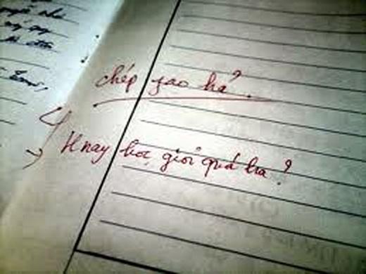 """Không qua được thiên línhãn của cô thì em chịu, nhưng cô ơi, cô viếtchữ """"phao"""" thành """"fao"""" kìa."""