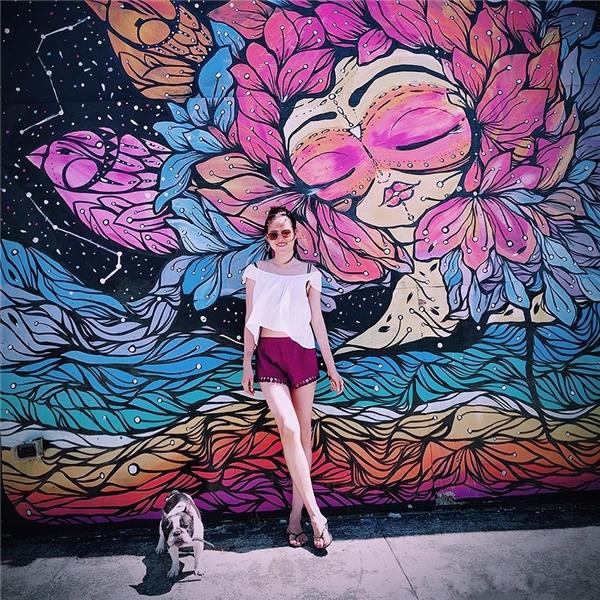 6 năm saukhi bước ra từVietnam's next top model mùa 1, Tuyết Lan ngày càng xinh đẹp, mặn mà và trưởng thànhhơn xưa.