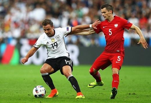 Mario Goetze cũng gây thất vọng và phải rời sân nhường chỗ cho Andre Schuerrle ở phút 66.