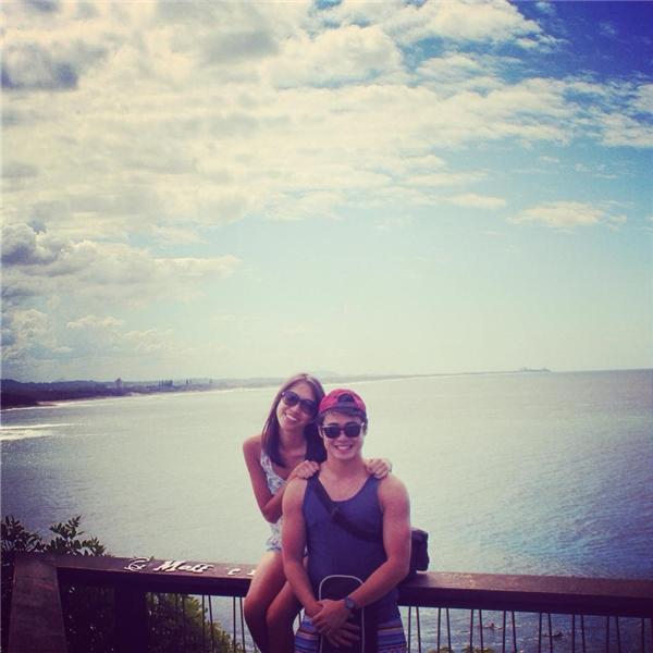 """Được biết, chú rể """"lắm trò"""" Zachary Lee lần đầu gặp vợ mình, cô dâu Elsa Kwok, khi đang học tại đại học Queensland ở Úc – nơi anh đã từng ở suốt một thời gian khá dài. (Ảnh: FBNV)"""