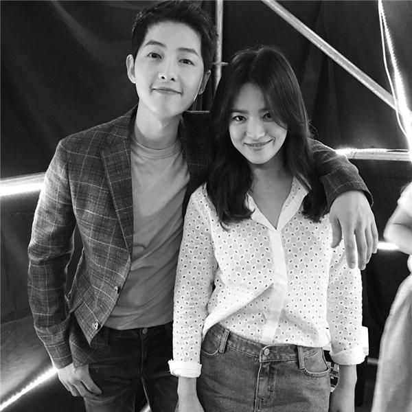 Hình chụp cùng Song Joong Ki do Song Hye Kyo chia sẻ
