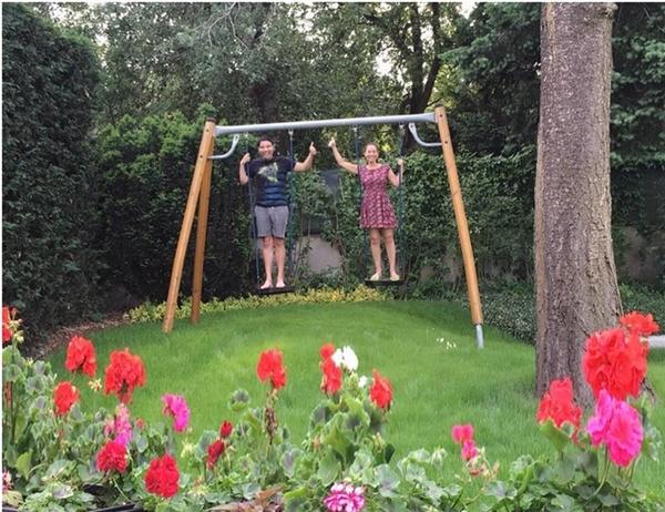 Một vườn hoa mi-nixây dựng ngay trong khuôn viên ngôi biệt thự tạo cảm giác thanh bình vàgần gũi với thiên nhiên. - Tin sao Viet - Tin tuc sao Viet - Scandal sao Viet - Tin tuc cua Sao - Tin cua Sao