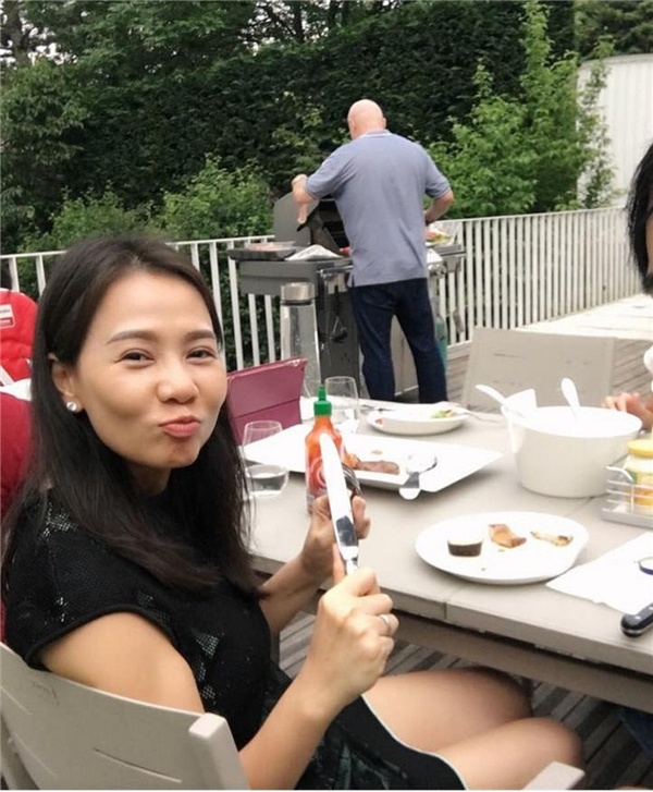 Có thể nói, Thu Minh là một trong số ít nữ nghệ sĩ may mắn nhất showbiz Việt khi tìm được hạnh phúc muộnbên người chồng Tây đáng mơ ước. - Tin sao Viet - Tin tuc sao Viet - Scandal sao Viet - Tin tuc cua Sao - Tin cua Sao
