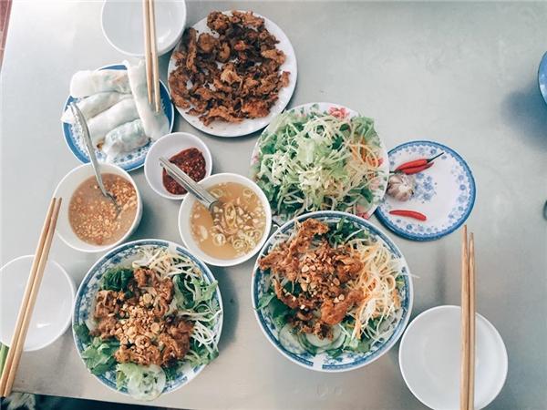 Vi vu 3 thành phố lớn Huế - Đà Nẵng - Hội An với túi tiền rất mỏng