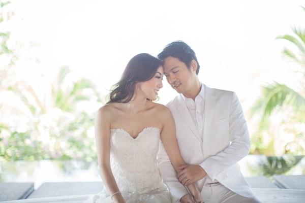 Trước đó, hồi tháng 4 năm nay, đám cưới của con gái tỉ phú Thái Lan diễn ra vô cùng hoành tráng và siêu sang. Ông chủ của tập đoàn Central không ngại chi mạnh tay trong đám cưới con gái cưng.