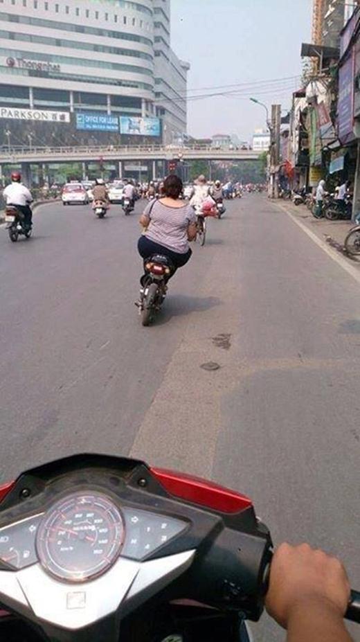 Cân nặng không hề liên quan đến tay lái có lụa hay không nhé! (Ảnh: Internet)