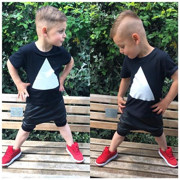 Clayton Zefi, nhóc tì điển trai đến từ Albania.