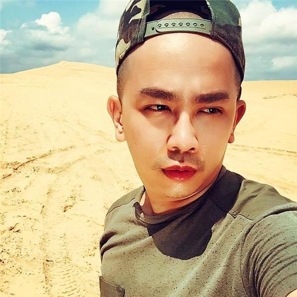 Nổi tiếng với phong cách make-up chuyên nghiệp và hiện đại, Minh Lộc là một trong những chuyên gia trang điểmnổi tiếngđược nhiều ngôi sao hạng A tin chọn nhất hiện nay.