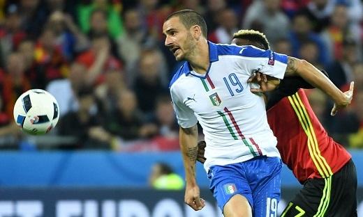 Leonardo Bonucci đang lĩnh xướng hàng phòng ngự Italia ở EURO 2016
