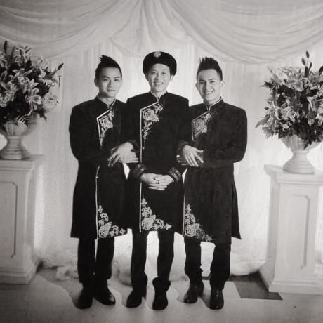 """Hoài Lâm đăng ảnh chụp cùng cha nuôi Hoài Linh và Võ Lê Thành Vinh kèm dòng chú thích ngắn gọn: """"Happy Father's Day Bố!!Chúc Bố nhiều sức khoẻ."""" - Tin sao Viet - Tin tuc sao Viet - Scandal sao Viet - Tin tuc cua Sao - Tin cua Sao"""