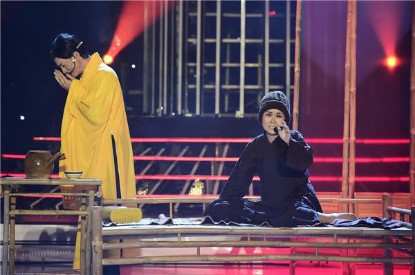 Võ Hạ Trâm cũng là thí sinh gây chú ý trong tập 9 của chương trình. Côgặp nhiều khó khăn khi lần đầu hát cải lương trong màn hoá thân thành NSƯT Thanh Ngân với trích đoạn Chuyện tình Lan và Điệp.