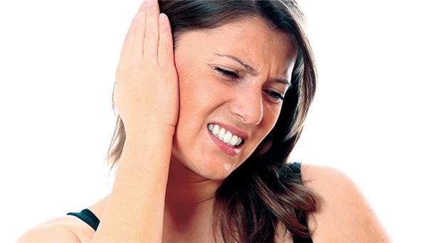 Cảnh báo những thói quen khiến tai của bạn sẽ điếc dần