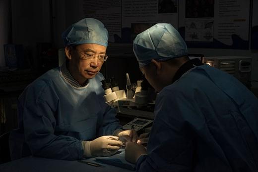 Hiện ông Renđang xây dựng một đội ngũ nghiên cứu và sẵn sàng thử ngay việc phẫu thuật này ngay khi việc nghiên cứu hoàn tất. (Ảnh: Internet)