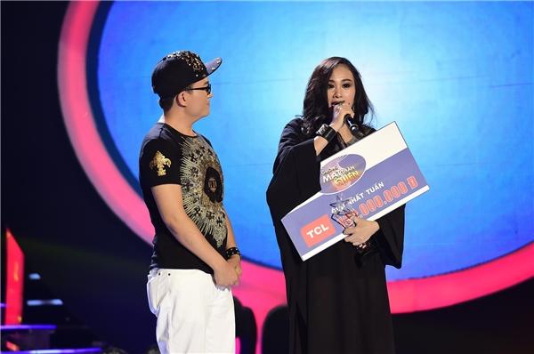 Lần thứ 2, Hà Thuý Anh nhập cúp sau khi biến hoà thành công thành nữ ca sĩ Phương Thanh.