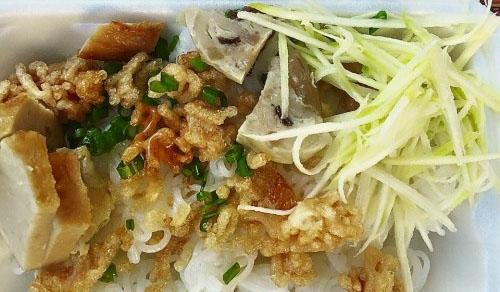 Ẩm thực Phan Thiết - Bánh Nghệ Phan Thiết - ăn một dĩa rồi vẫn còn thòm thèm