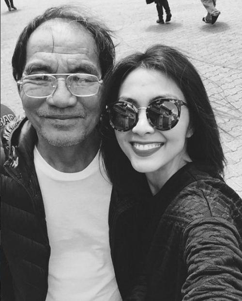 Trước đó, nữ diễn viên cũng chia sẻ bức ảnh chụp cùng bố ruột kèm lời chúc mừng nhân ngày của Cha. - Tin sao Viet - Tin tuc sao Viet - Scandal sao Viet - Tin tuc cua Sao - Tin cua Sao
