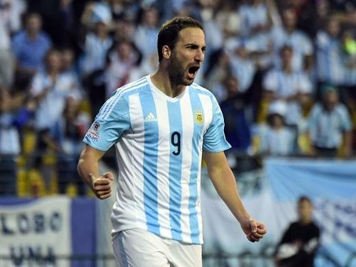 Gonzalo Higuain là một trong những tiền đạo tốt nhất châu Âu mùa giải vừa qua