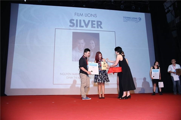 XUXU – đội chiến thắng tại hạng mục Film. Cả hai đều thuộc thế hệ 9X, tài năng và có đam mê sáng tạo không ngừng, đồng thời đều được trui rèn và phát triển dưới môi trường làm việc tại YANTV.