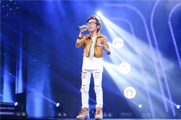 Thiên Tùng đã cósự tiến bộ đáng kể so với các tuần trước với ca khúc nổi tiếng See you again (Charlie Puth). Khánh Linh khiến khán giả mê đắm với giọng hát cao vút cùng Ô mê ly